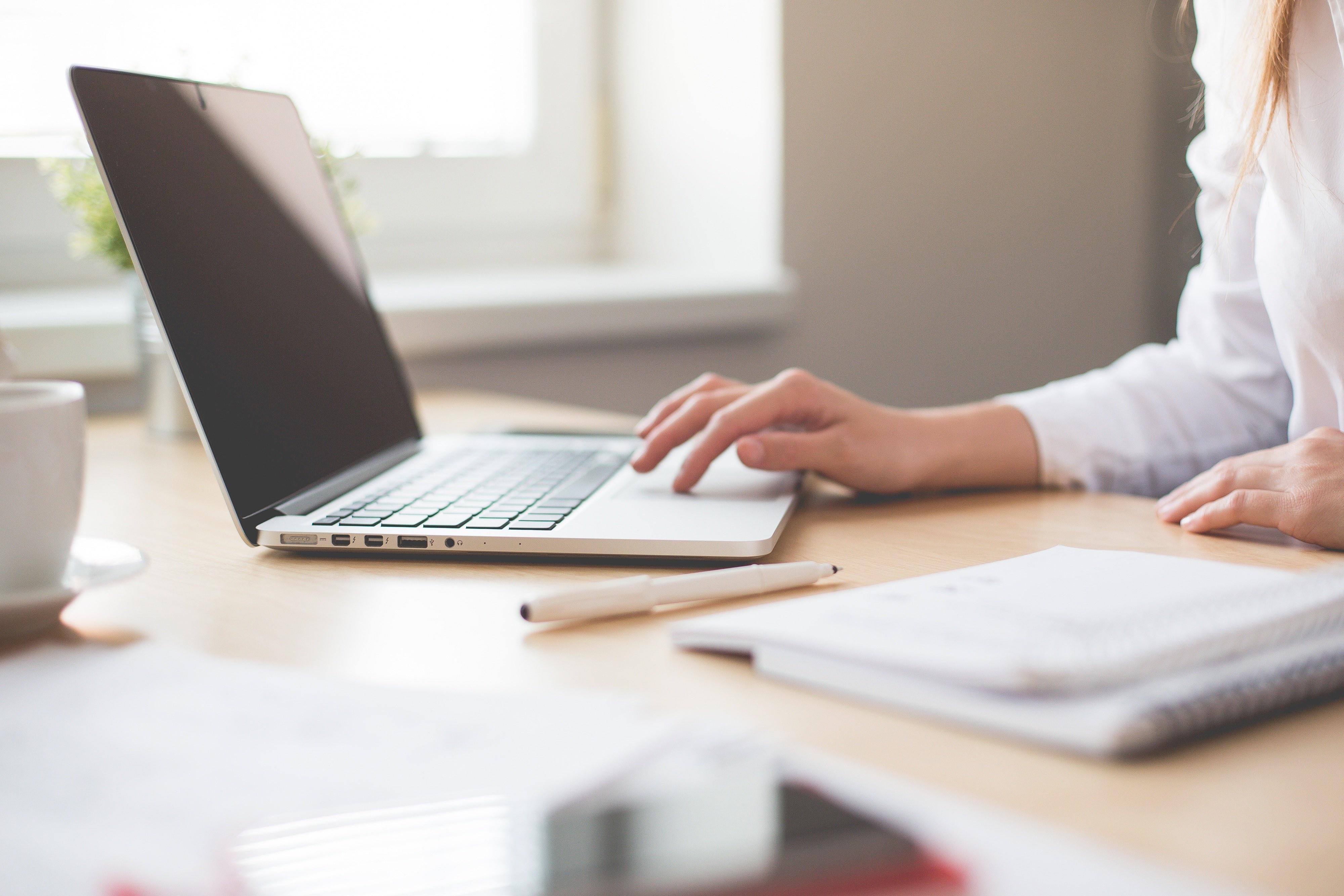 Nadáváte na realitní kanceláře?