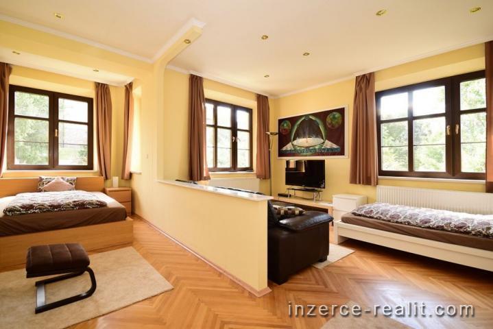 Praha, krásný zařízený byt k pronájmu 2+1 (80 m2), ulice Pod Vilami, Nusle