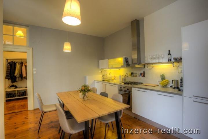 Prodej bytu 2+1+balkon, P1-Staré Město -ul. Karolíny Světlé
