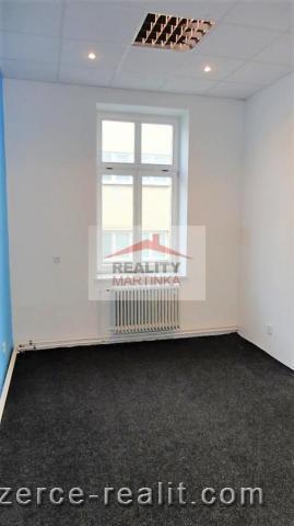 Pronájem dvou kanceláří 35 m2, Valašské Meziříčí, ul. Mostní