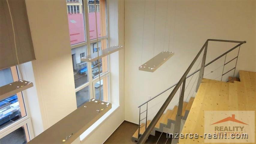 Pronájem mezonetové kanceláře 46 m2, Valašské Meziříčí