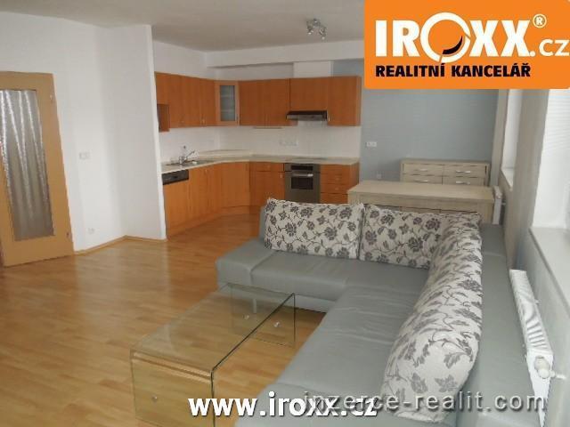 Pronájem bytu 3+kk, 82 m2, balkon, garážové stání, centrum Zlína
