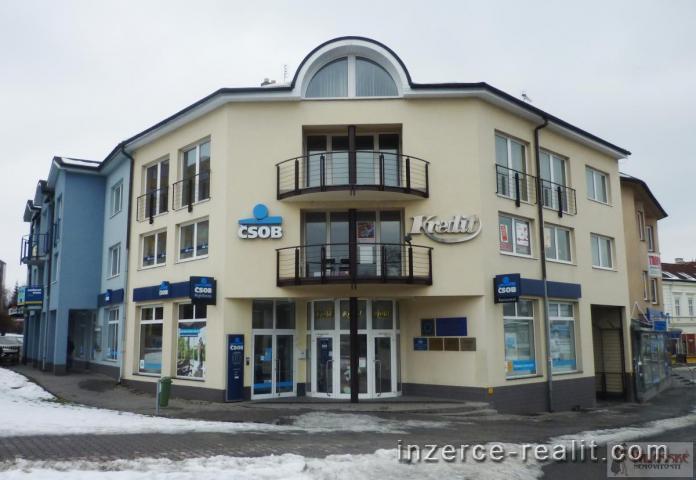 Pronájem kanceláře v lukrativní komerční nemovitosti ve Valašském Meziříčí!!!