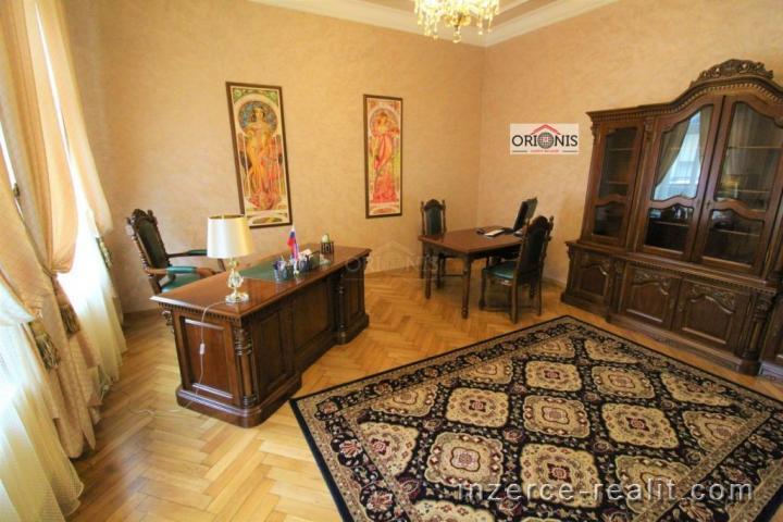 Luxusní vilové sídlo 870 m2 s pozemkem 1702 m2 videoprohlídka