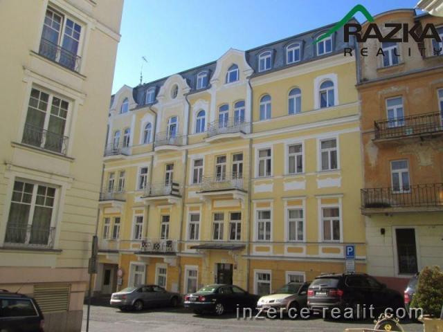 Prodej bytu 2+KK  s balkonem v centru lázeňské zóny - Mariánské Lázně - ul. Mladějovského