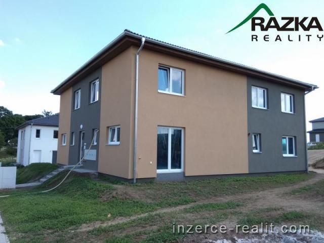Mezonetový byt 3+kk (69 m2) se zahrádkou a parkováním Tachov