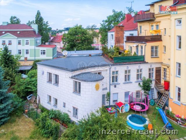 Prodej, 2 byty, 9+kk, 189 m2, OV, Cheb, ul. Májová