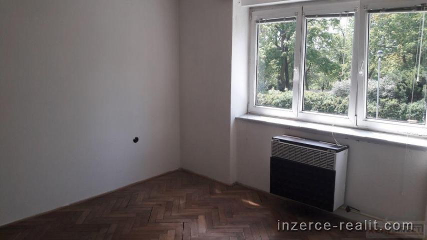Prodej bytu 2+1/sklep/garáž, družstevní vlastnictví, ul. Sadová, Mělník