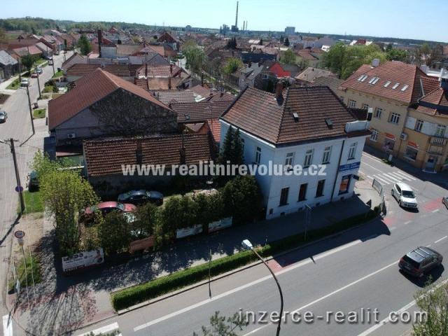 Dům s obchodem v Břeclavi