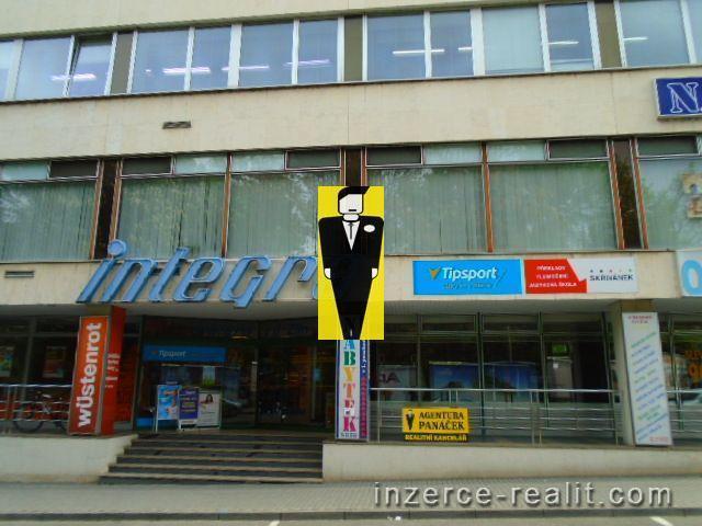 Pronájem kanceláře  18m2 v centru, Zlín