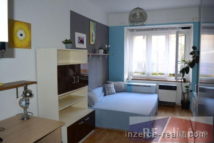 Dispozičně zajímavý byt  2+1  pro mmj. podnikání, P8 Pernerova,