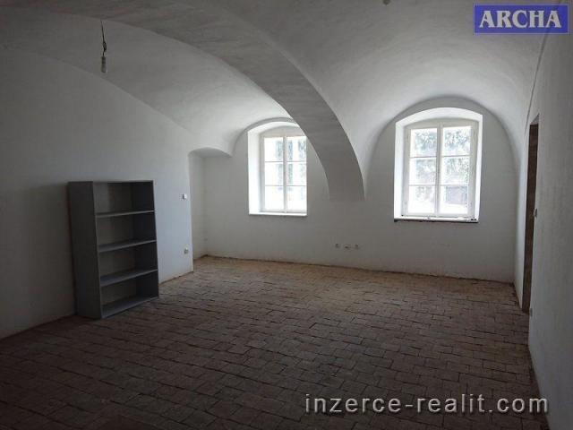 Pronájem obchodního prostoru 100 m2, Praha 8  Libeň