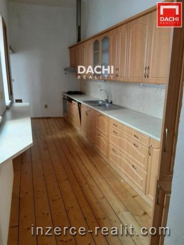 Pronájem částečně zařízeného cihlového bytu 3+1, 66 m, Olomouc ulice Lafayettova