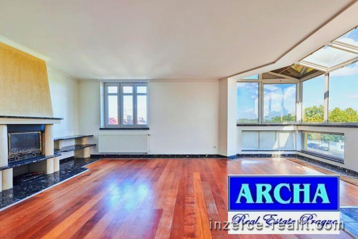 Nájem domu s byty a kancelářemi o ploše 492 m2, u Evropské ulice, Praze 6 Liboc