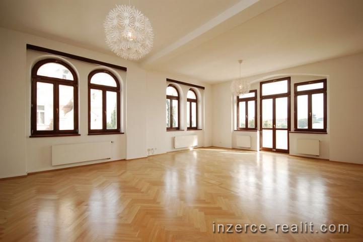 Praha, nezařízený byt k pronájmu 6+1, 200 m2, Janáčkovo nábřeží, Praha - Smíchov