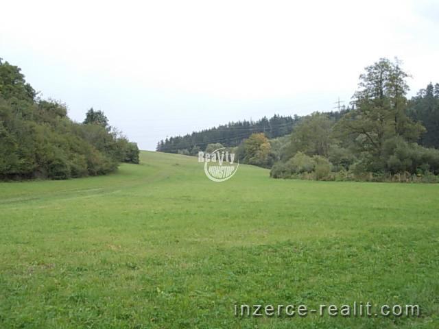 Prodej pozemku  4.740 m2 u obce Stařeč u Třebíče