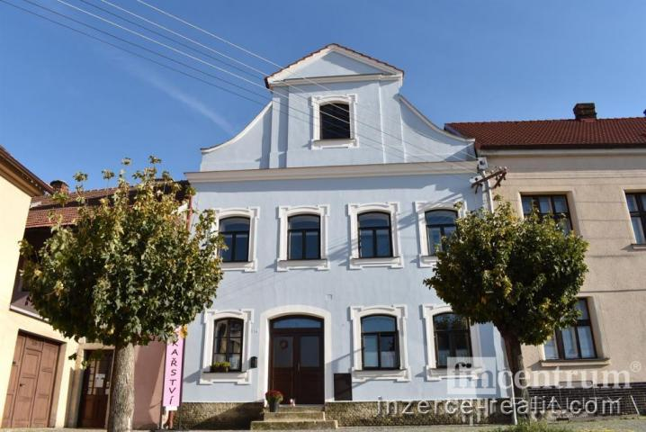 Prodej rodinného domu 220 m2 náměstí Plk. Josefa Koukala, Luže