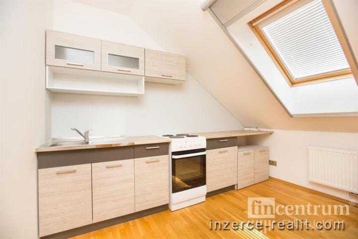 Pronájem bytu 2+1 69 m2 Rosická, Popůvky