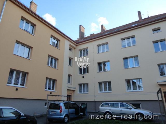 Exkluzivní prodej zděného bytu 2+1 s balkonem v žádané lokalitě ul. Leoše Janáčka v Jihlavě