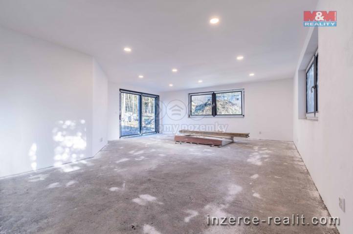 Prodej, rodinný dům 4+kk, 802 m2, Mirošov
