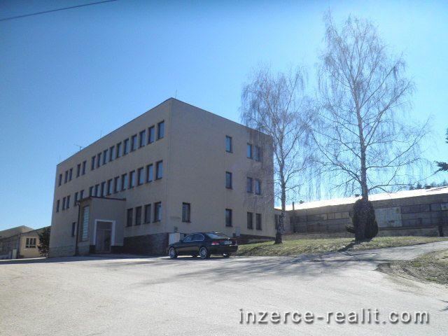 Administrativní budova s pozemkem