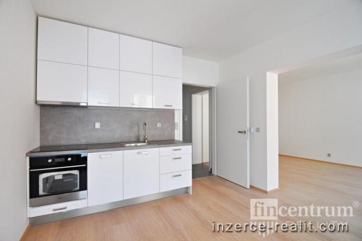Pronájem bytu 2+1 64 m2 Bratranců Veverkových, Pardubice Zelené Předměstí