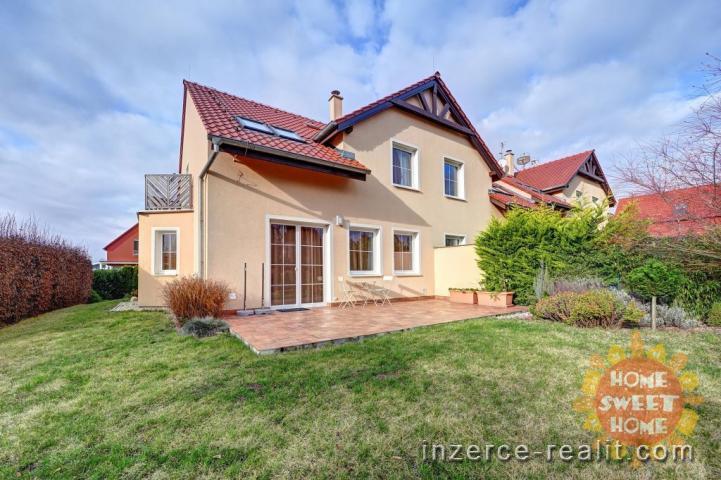 Prostorný rodinný dům 4+kk (178 m) k prodeji, zahrada, garáž, Dolní Břežany, ulice K Písnici