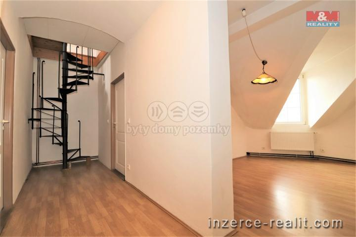 Prodej, byt 4+1, 97 m2, Karlovy Vary, ul. Raisova