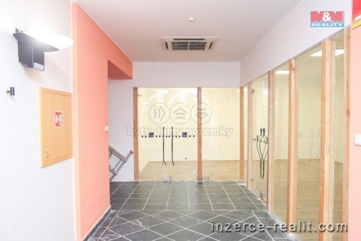 Pronájem, obchodní prostory, 32 m2, Opava - Město