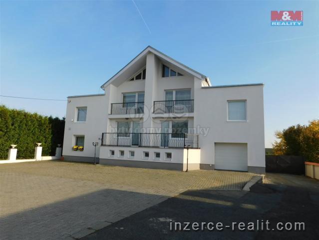 Prodej, rodinný dům 8+2, 6177 m2, Otmarov
