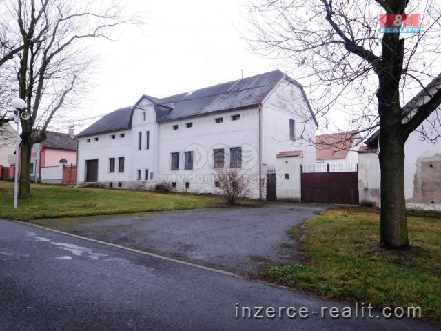 Prodej, zemědělský objekt, 3810 m², Toužetín-Donín
