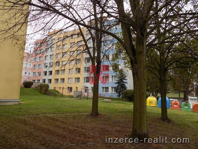 Pronájem prostorného bytu 3+1 s lodžií, 79 m2, v bytovém domě v Březnici u Příbramě