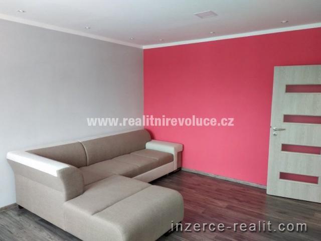 Zrekonstruovaný byt 2+1 k pronájmu