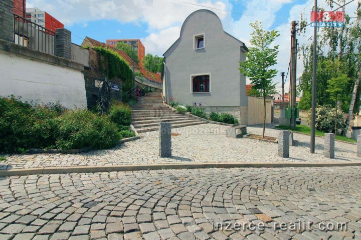 Prodej, rodinný dům 5+1, 151 m2, Kladno, ul. V. Burgra
