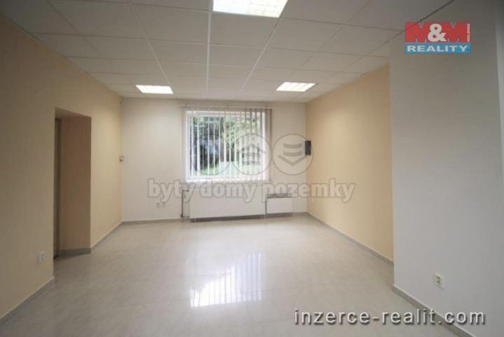 Pronájem, obchod a služby, 65 m2, Sázava, ul. Benešovská