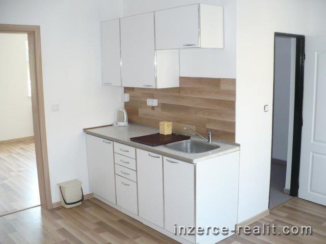 Pronájem zrekonstruovaného bytu 1+1 Pardubice