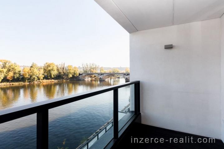 Praha 7, slunný nezařízený byt 2+kk k pronájmu, Rezidence Marine Island,balkon, sklep, ulice Sandero