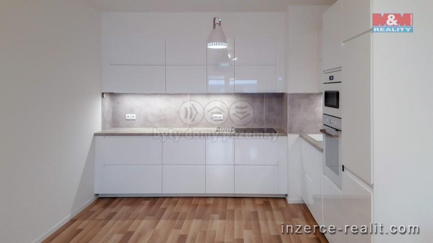 Pronájem, byt 3+kk, 90 m², Praha 3, ul. Zvěřinova