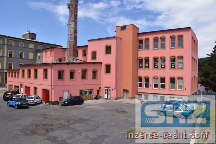 Pronájem prostor k podnikání v provozní budově v Rumburku-centrum.