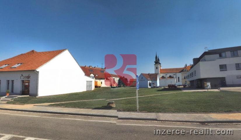 Prodej pozemku v historickém centru Valtic, 105 m2