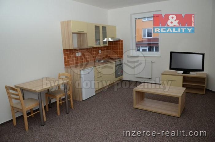 Pronájem, byt 1+kk, 35 m2, Kladno, ul. Vašíčkova