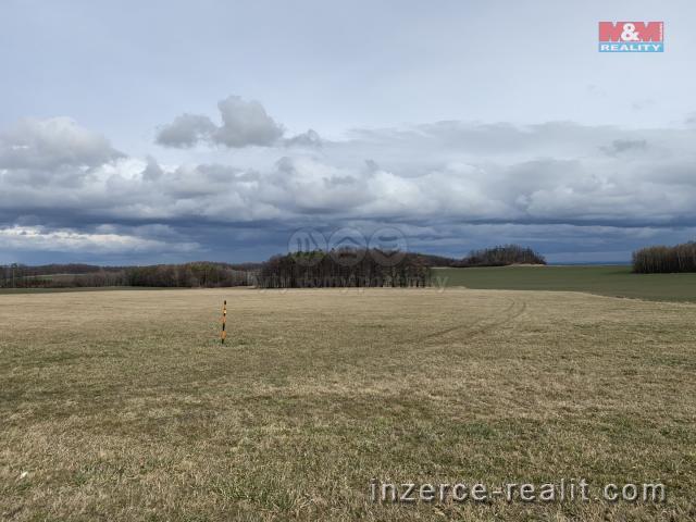 Prodej, pole, 585351 m², Melč