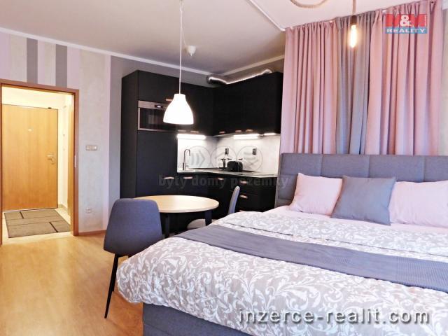 Pronájem, byt 1+kk, 30 m2, Praha 5 - Košíře, ul. Plzeňská