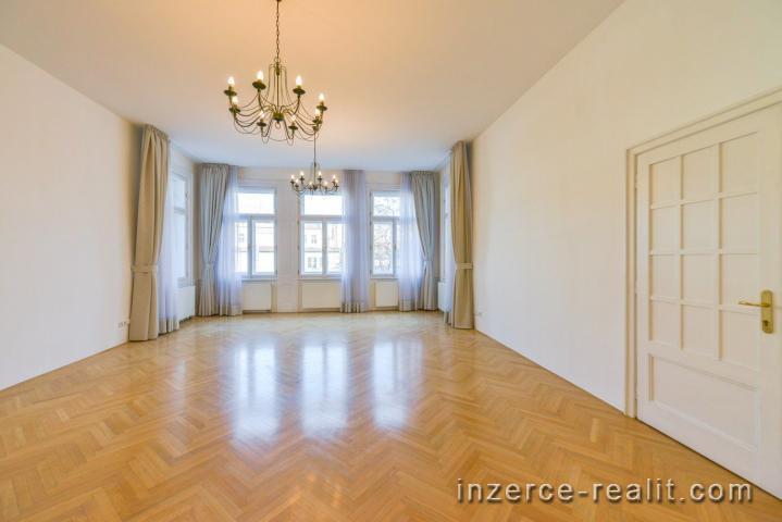 Praha, nádherný nezařízený byt k pronájmu 5+1 (272m2), Záhořanského, Nové Město, parkování, balkon
