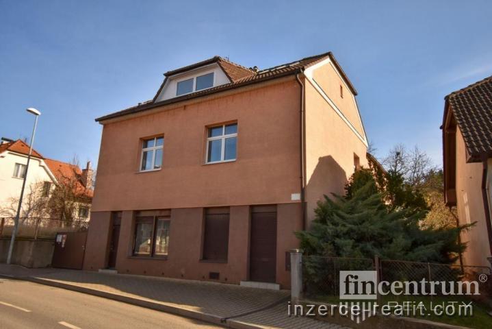 Prodej vily 387 m2 Černošická, Praha Lipence