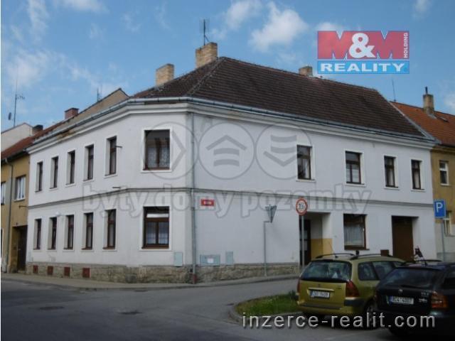 Pronájem, rodinný dům, 345 m², České Velenice