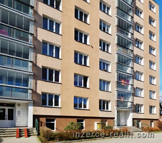 Prodej bytu 3+1 Karlovy Vary - Stará Role
