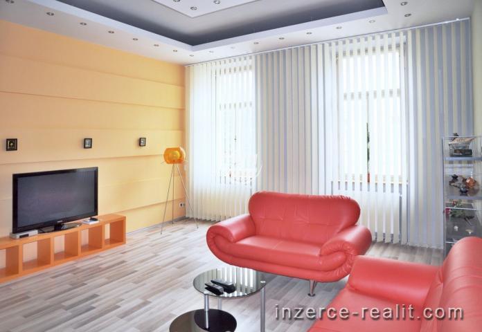 Nabízíme k pronájmu zděný velkometrážní byt poblíž centra Jihlavy, Mahlerova ulice