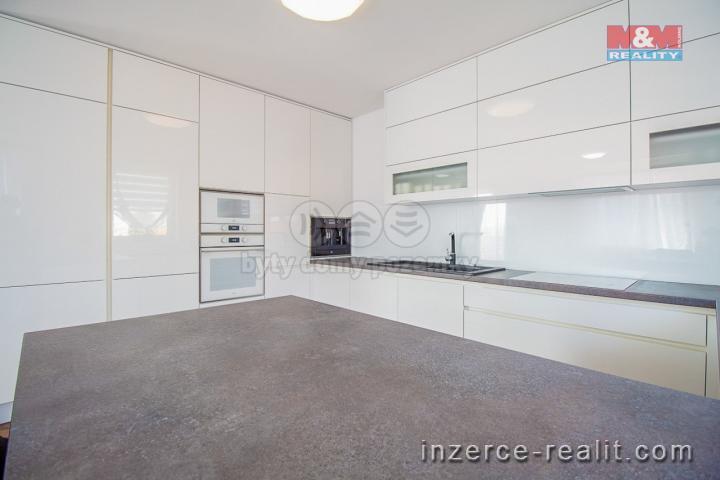 Prodej, rodinný dům, 6+kk, 282 m2, Štěkeň u Strakonic