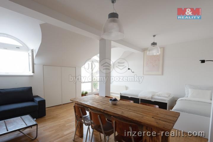 Pronájem, byt 2+kk, 65 m², Praha, ul. Křižovnická, balkon